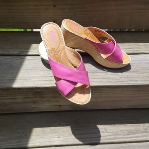 Born Wedges Sandals Size 9M/W